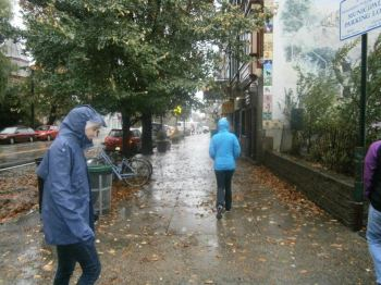 Anya Opshinksy '15 (left) observes Sandy aftermath in Philadelphia. Photo by Tiffany Casillas
